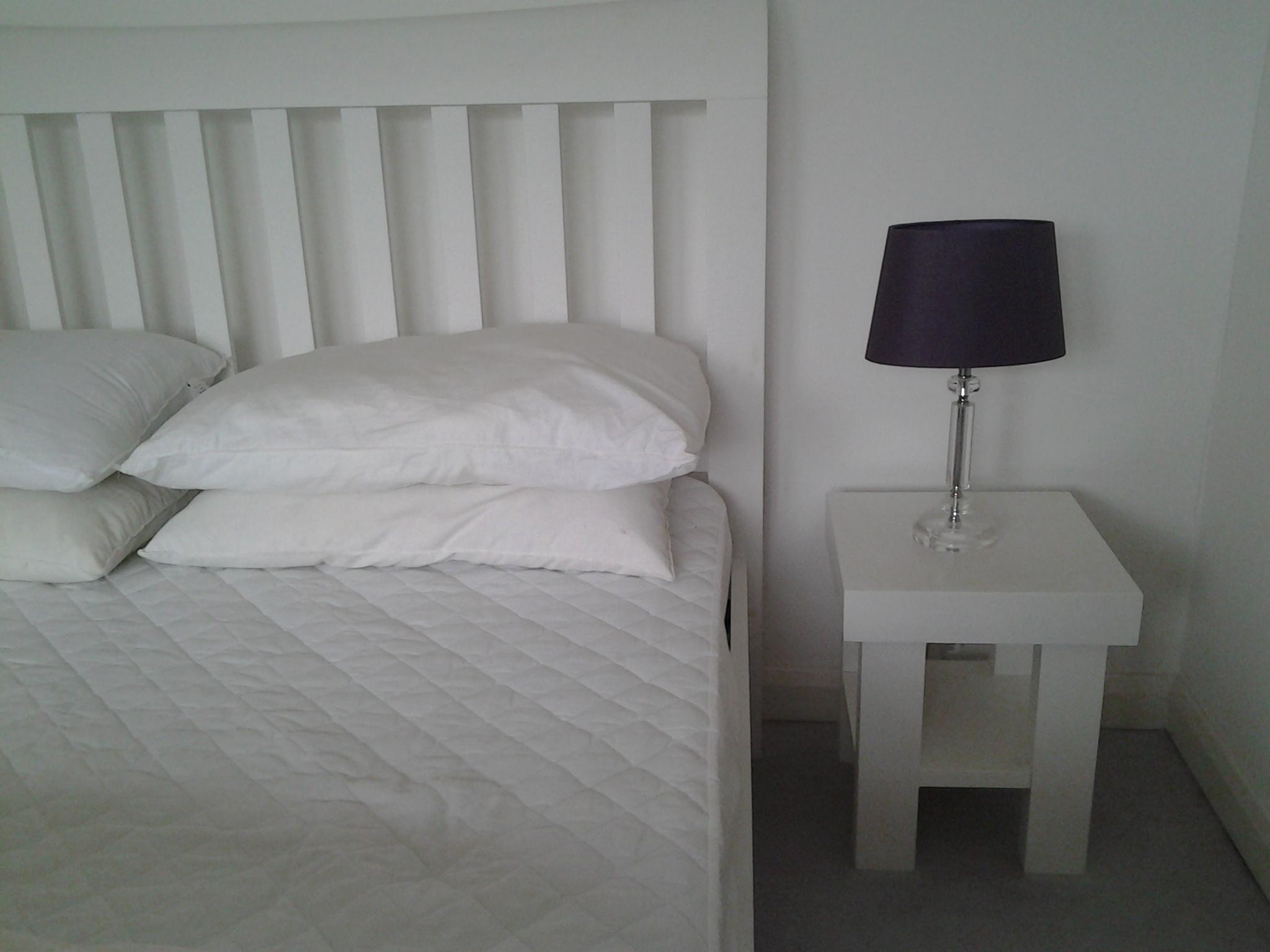 2015 02 - Modern Table - White 2